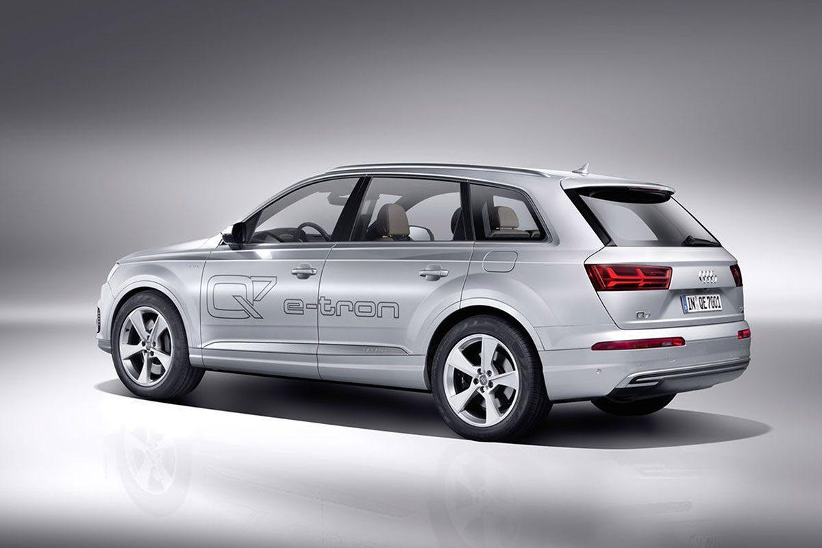 Audi-Q7_e-tron2